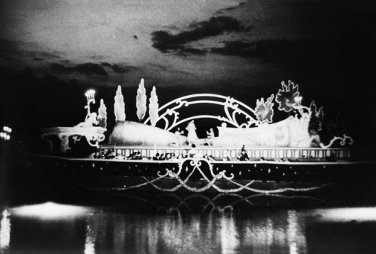 first-outdoor-opera-on-the-lake-stage-bregenz-1946