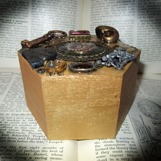 To be found here - https://folksy.com/items/6781543-The-Antediluvian-Casket-